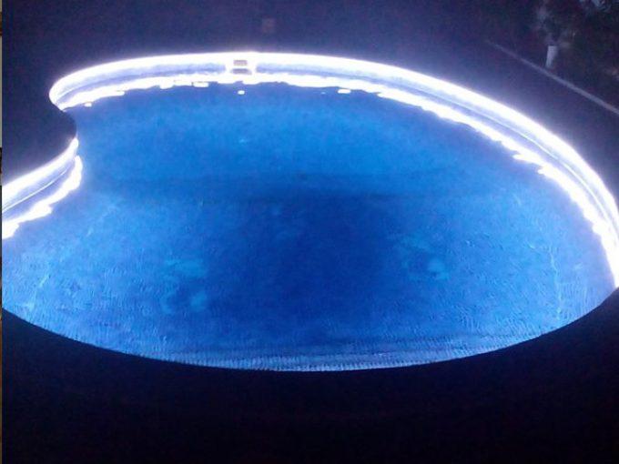 Iluminação de piscina a fita LED